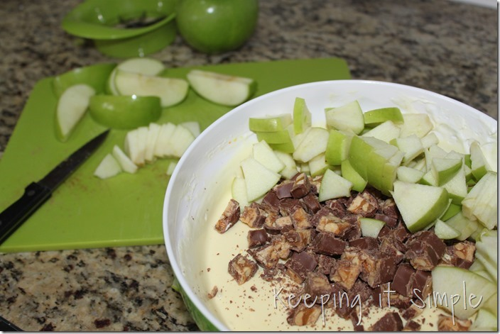 #ad SNICKERS®-Apple-Salad-Served-in-a-Frankenstein-apple #BooItForward (5)
