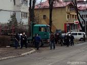 Strada Mărăşeşti, copaci tăiaţi şi spaţiu verde distrus de primarul Ilie Gherman