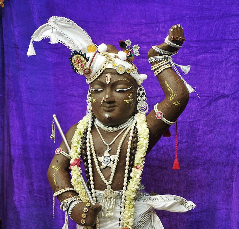 ISKCON Chowpatty Deity Darshan 11 May 2016 (4)