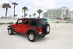 Ziemlich cool: Einfach mit dem Auto parken, Sonnenschirm raus, ab ins Wasser!