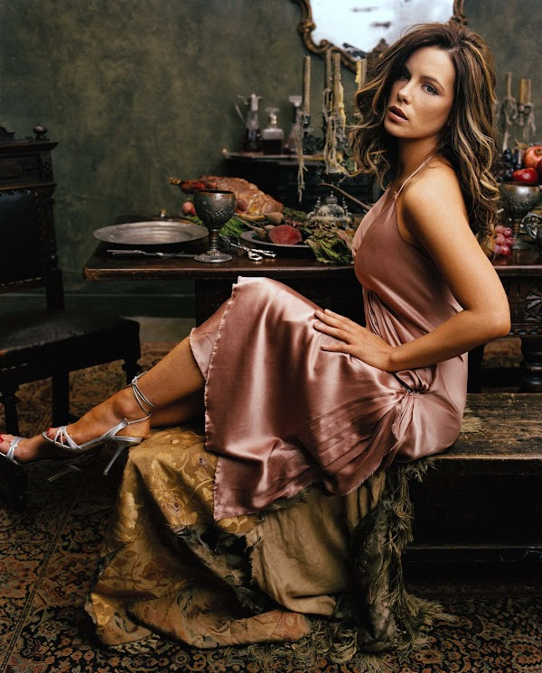 Happy (Belated) Birthday Kate Beckinsale(hot-3photos)3