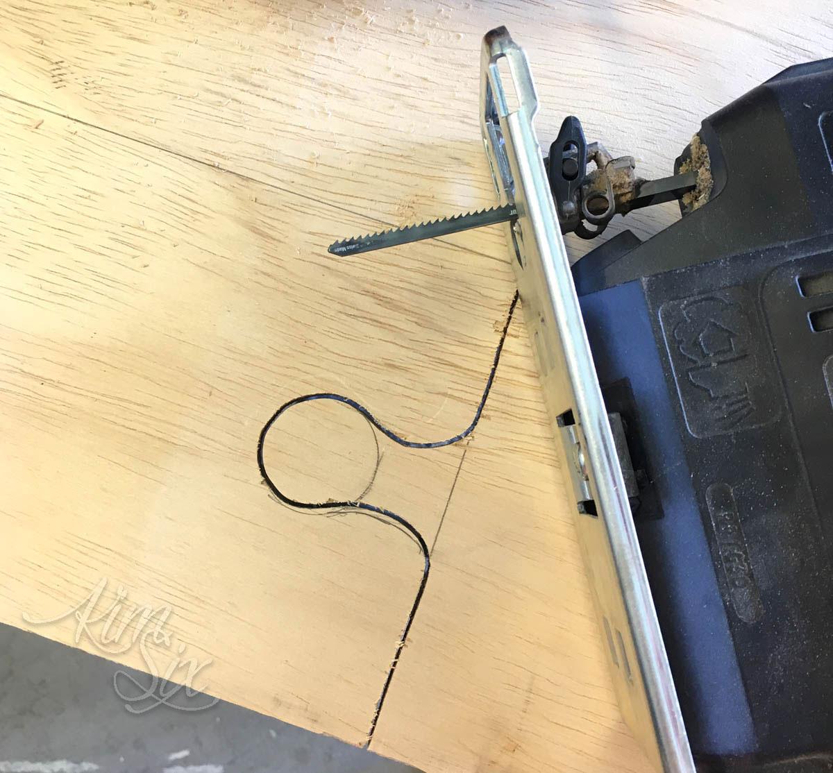 Cutting with scroll saw