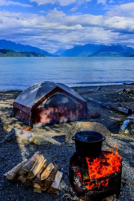 בוקר מול אגם מפתיע.jpg