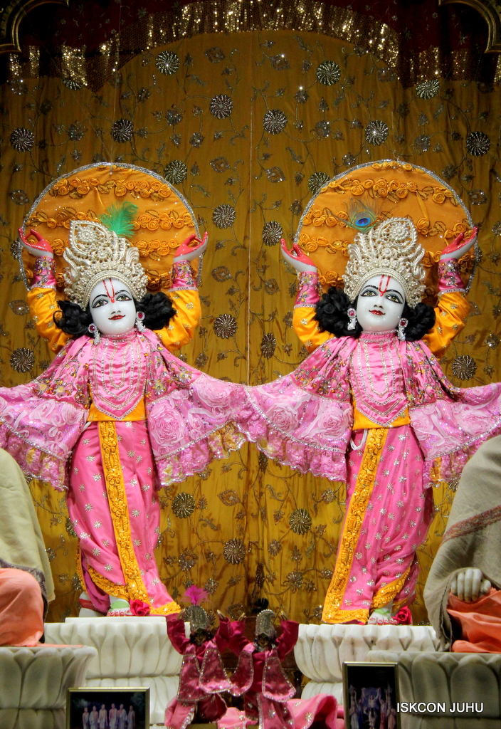 ISKCON Juhu Mangal Deity Darshan on 30th Dec 2016 (30)