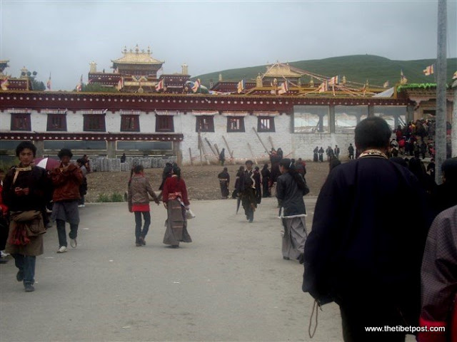 Massive religious gathering and enthronement of Dalai Lama's portrait in Lithang, Tibet. - l2.JPG