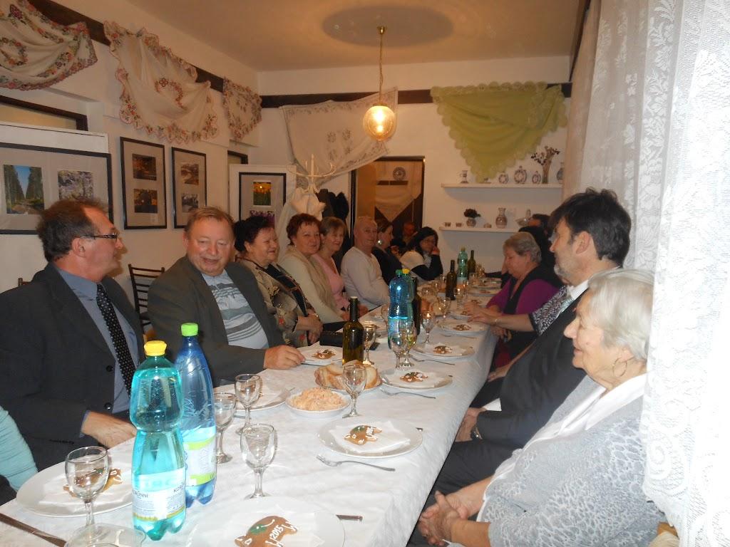 vľavo terajší  riaditeľ školy Mgr.Arvay a bývalý riaditeľ školy Mgr. Drgoň
