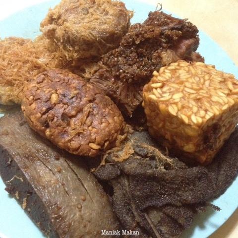 maniak-makan-rawon-nguling-kuliner-khas-kota-malang-lauk-pauk
