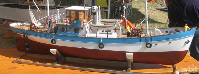 Associazione arbit la domenica del modellismo dinamico for Barca a vapore per barche da pesca