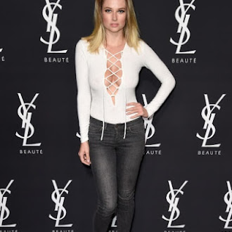 genevieve_morton_yves_saint_laurent_beauty_event_in_west_hollywood_may_18_16_dHBXa6D9.sized.jpg