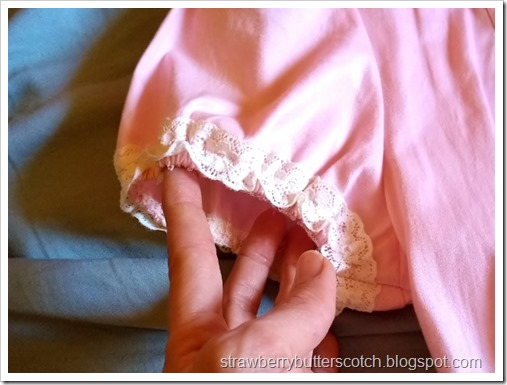 Close up of the puffed sleeves with new lace.