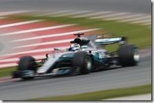 Valtteri Bottas con la Mercedes nei test di Barcellona 2017