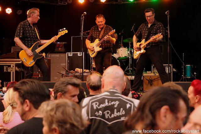 Rockabilly Meeting Wilhelminaplein Eindhoven, Cafe Wilhelmina (8).JPG
