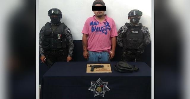 Policía de Zacatelco detiene a hombre armado