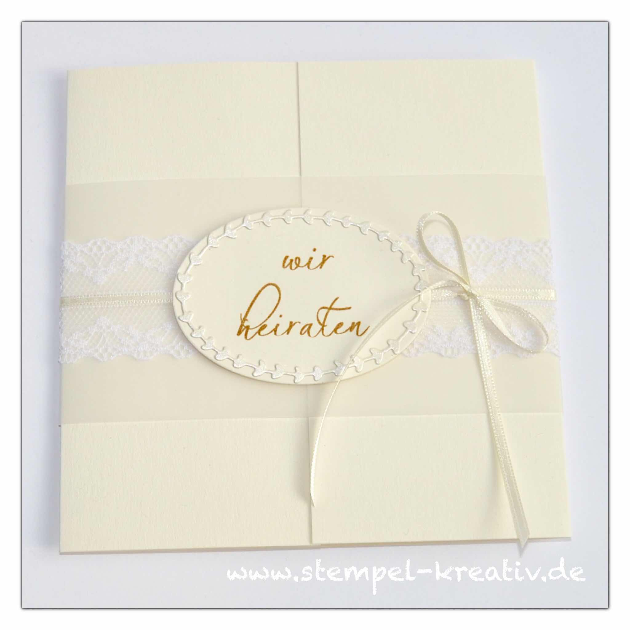 Einladung zur Hochzeit ovaler Kranz mit Spitzenband