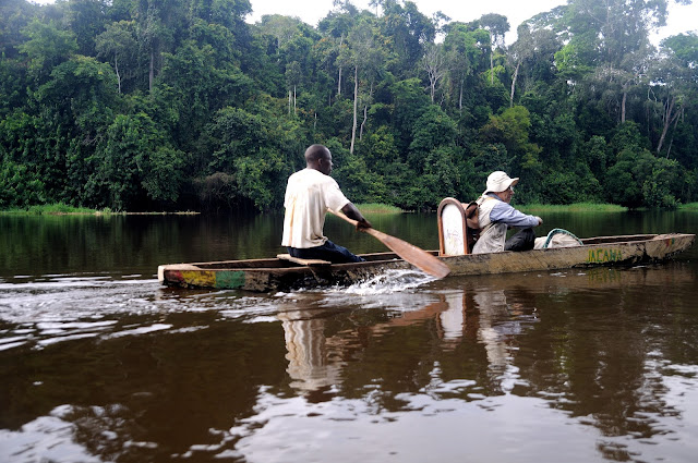Sur la Nyong. Ebogo (Cameroun), 23 avril 2013. Photo : Daniel Milan