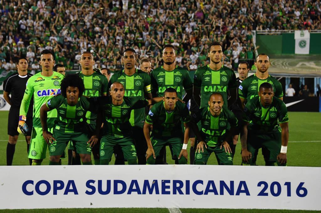 Resultado de imagem para chape sul americana 2016