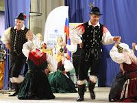 5 A szlovének is népviseletben voltak.jpg