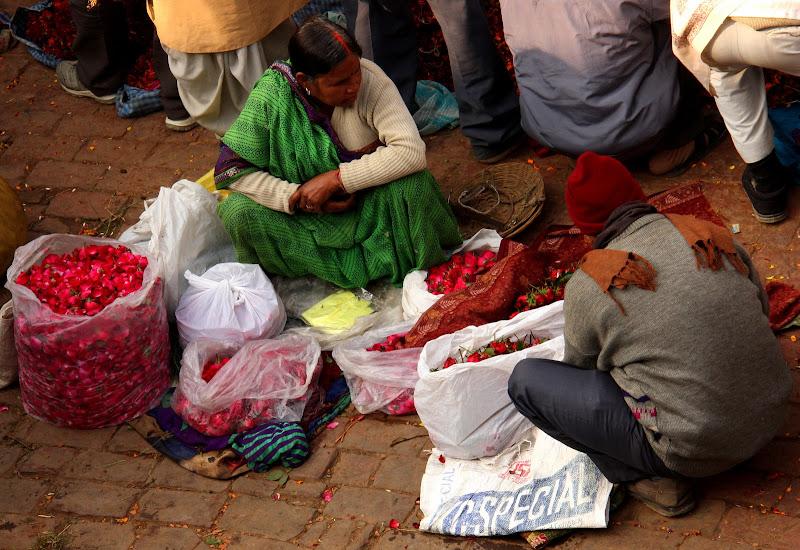 #Varanasibansphatakflowermarket #travelbloggerindia #Varanasimarkets