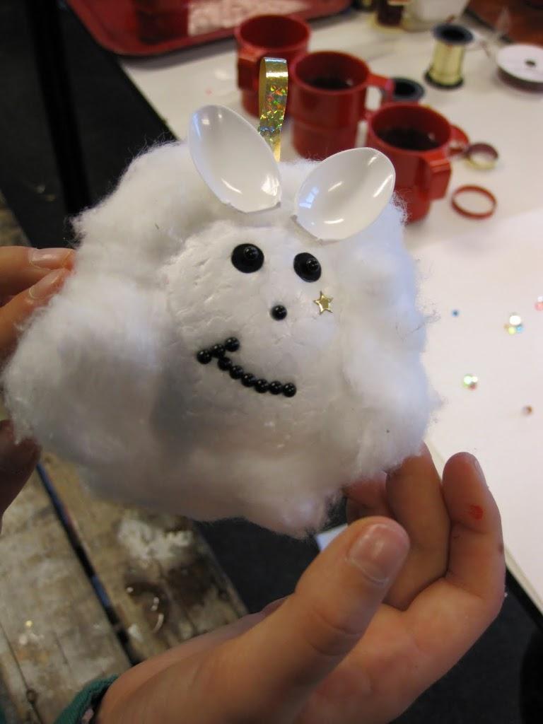 Welpen - Kerstbal maken - IMG_0564.JPG