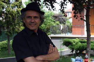 Nekkaz se dit prêt à payer les amendes anti-burkini