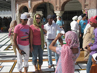 Indians want our photos - Golden Temple - Amritsar, Punjab