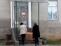 06 - Érkeznek a dobozok az iskolába.JPG