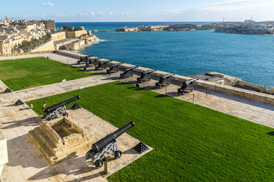 Geocaching auf Malta - Valetta - Saluting Battery