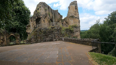 Knaresborough, Viaduct, Yorkshire, River Nidd, Things to do, Rowing Boats, Ice Cream, Hidden Gem, Street Art, Caves, Mother Shipton, Castle, Parking, The Serial adventurer, Adventure, Days out, ideas
