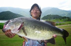 2位:高橋一弥プロ(2 本 3520g)2
