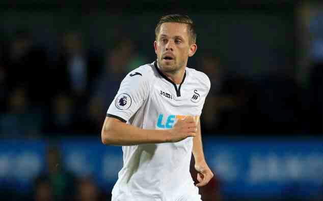Everton sign Swansea star Sigurdsson for club-record £45m fee