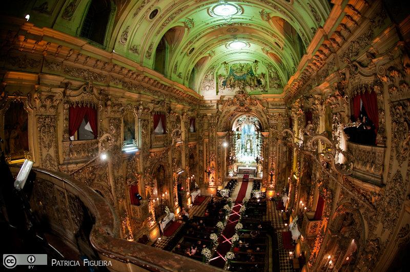 Foto de casamento 3099 de Fabiana e Johnny. Marcações: 17/07/2010, Casamento Fabiana e Johnny, Igreja, Igreja Nossa Senhora Monte do Carmo, Rio de Janeiro.