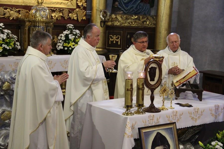 Z relikwiami św. O.Pio w Istebnej - IMG_3476.JPG