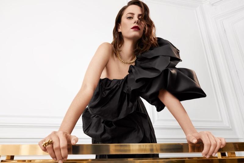 Kaya Scodelario stars in Clash de Cartier 2020 jewelry campaign.