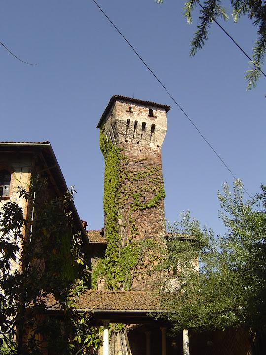2004 - torre dalla corte interna del castello