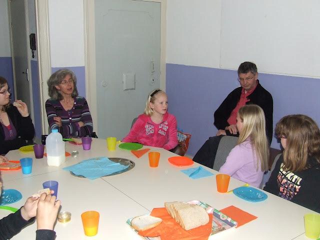 Sobere maaltijd voor de kinderen van de kinderkerkclub. - DSCF5802.JPG