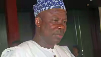 GOVERNOR IBIKUNLE AMOSUN OF OGUN STATE SIGNS BILL TO UPGRADE MAPOLY TO A UNIVERSITY.