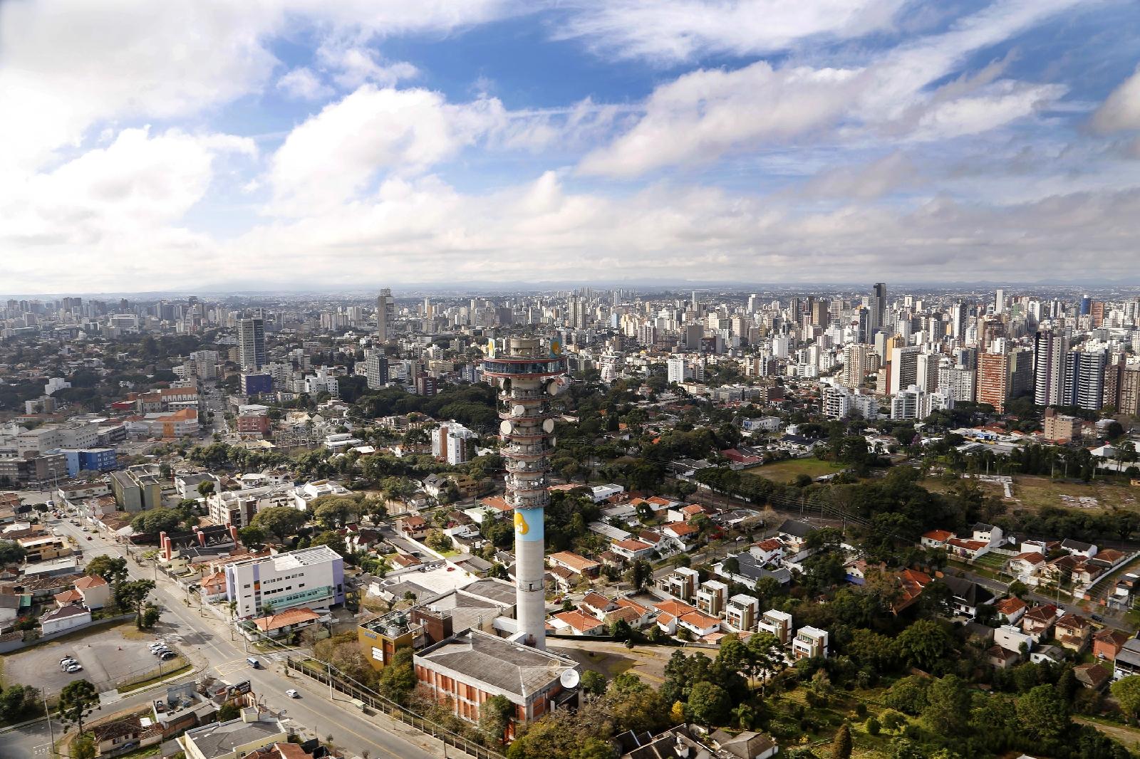 Aos 328 anos, Curitiba é inigualável
