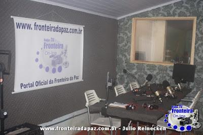 R�dio e TV Fronteira Online - Novos est�dios, nova programa��o. Participe!!!