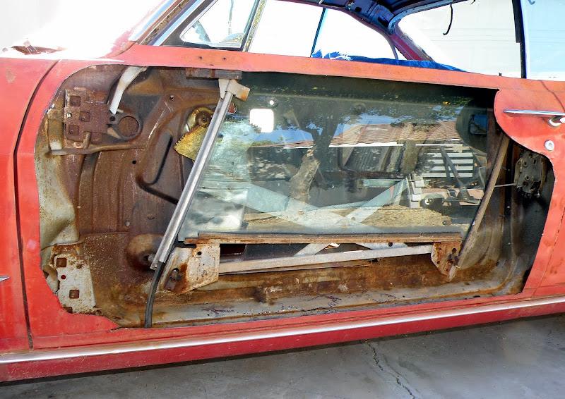 1965 1969 Corvair Front Door Window Mechanism Details