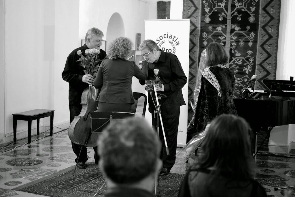 Violoncelistul Dan Cavassi - (000a) - (8)