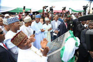 Buhari scores a big one as he commissions Abuja-Kaduna Railway. [photos]