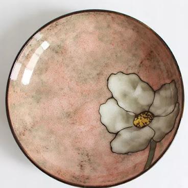 Pink flower deep dish