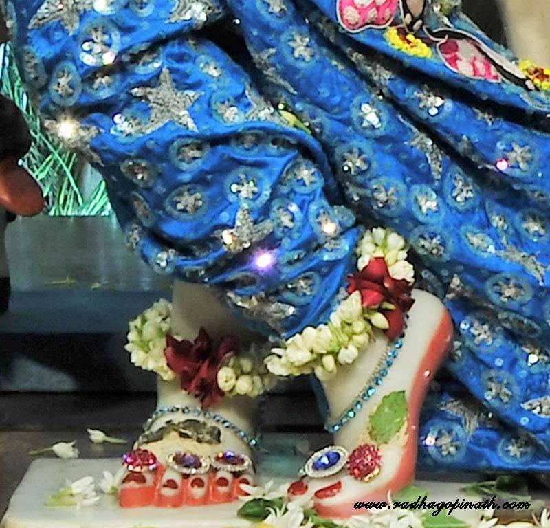 ISKCON Chowpatty Deity Darshan 18 Dec 2015 (8)