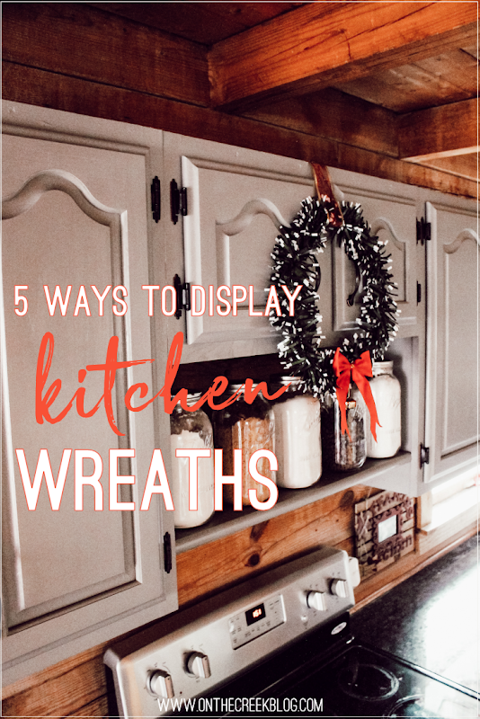 5 ways to display Christmas wreaths in the kitchen!