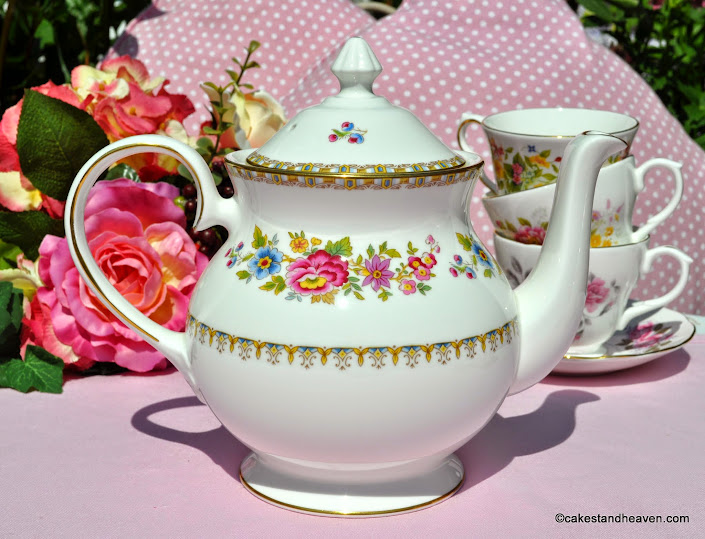 Royal Grafton Malvern Pattern 2 Pint Teapot