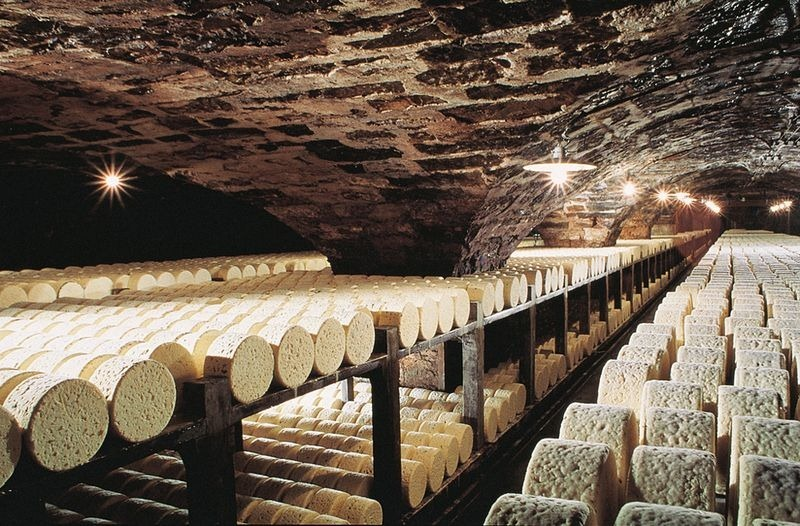 roquefort-cheese-cave-4