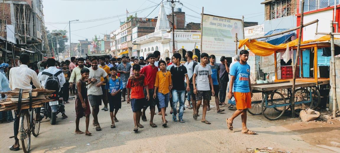 जगदीशपुर में बंद रही दुकान, दुर्गा पूजा नहीं होने से लोग आहत