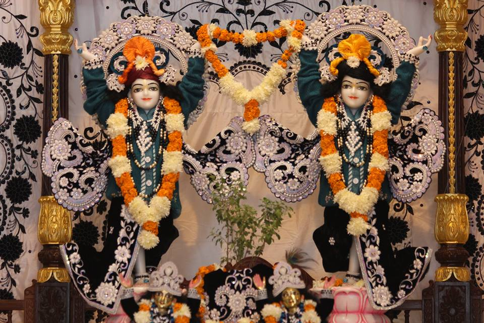 ISKCON Kanpur Deity Darshan 19 Dec 2015 (15)
