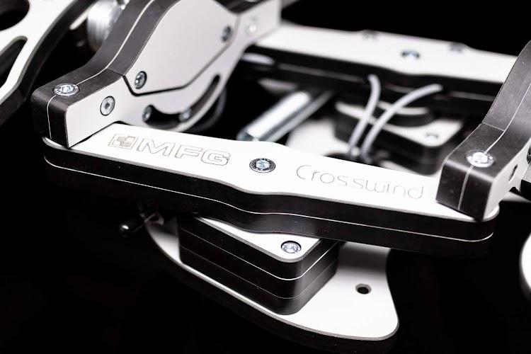 mfg-crosswind-rudder-pedals-7.jpg