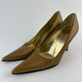Dolce & Gabbana Gold Pumps